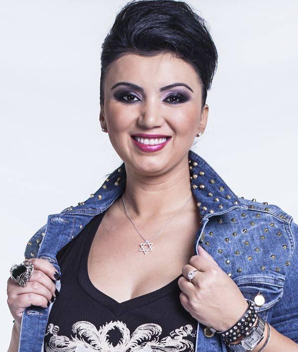 Stil de vedeta: Adriana Bahmuteanu!