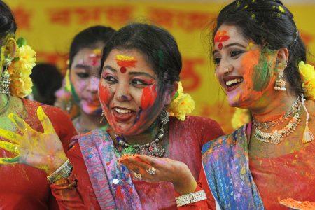 Festivalul culorii Holi in India