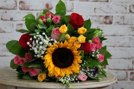 Arata-i mamei tale ca o pretuiesti cu o comanda de flori online in Bucuresti!