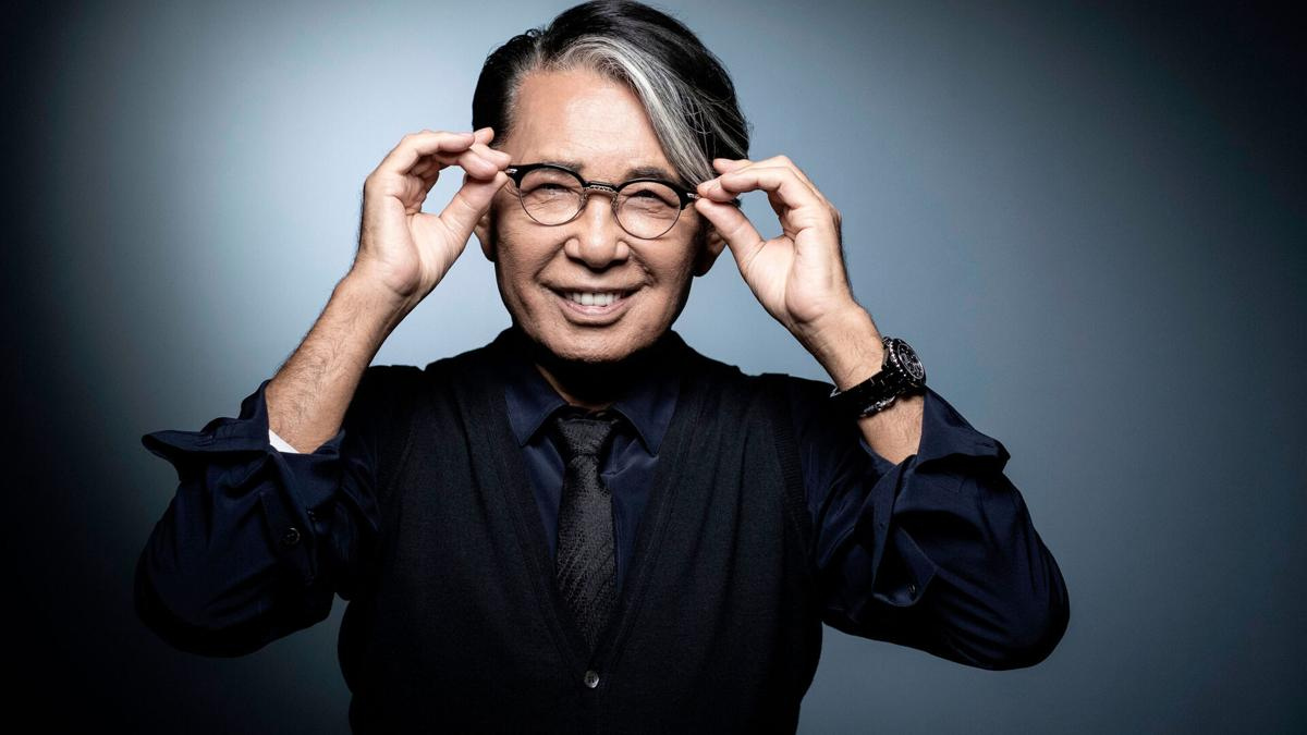Designerul de moda japonez Kenzo Takada a murit dupa ce a fost infectat cu COVID-19